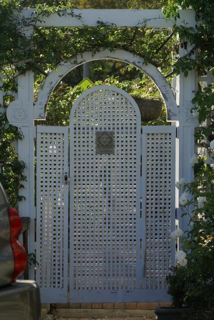 Lattice Entry Gate